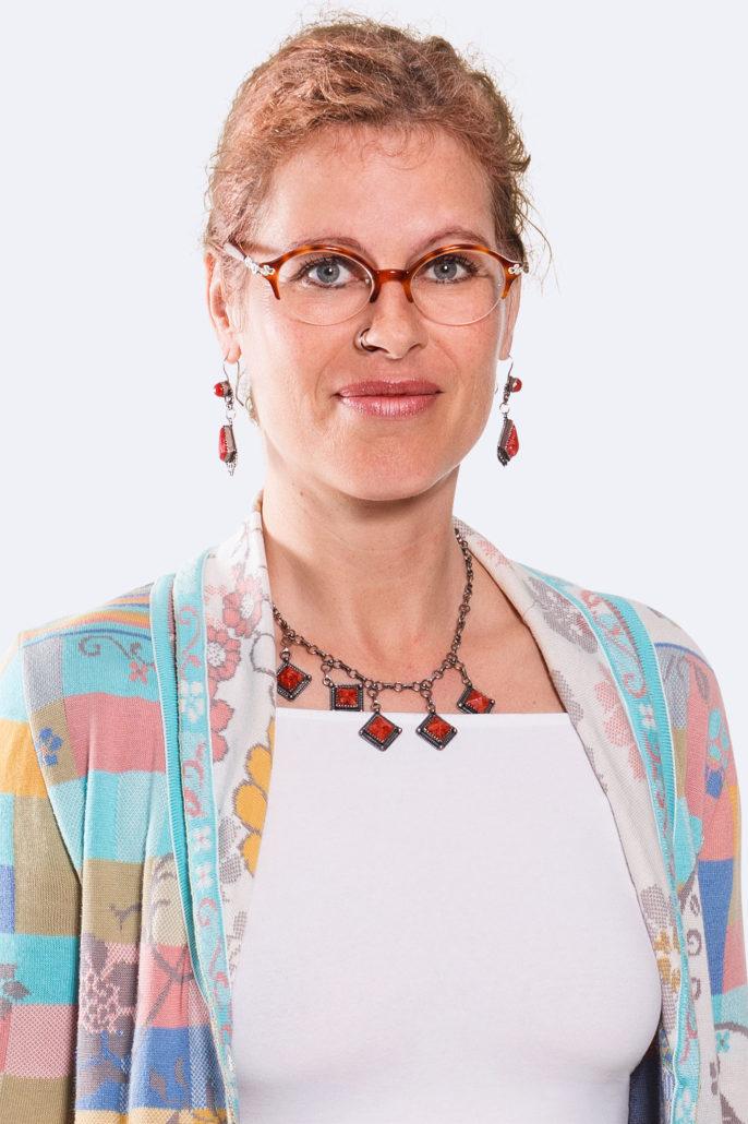Dr. Ursula REBER