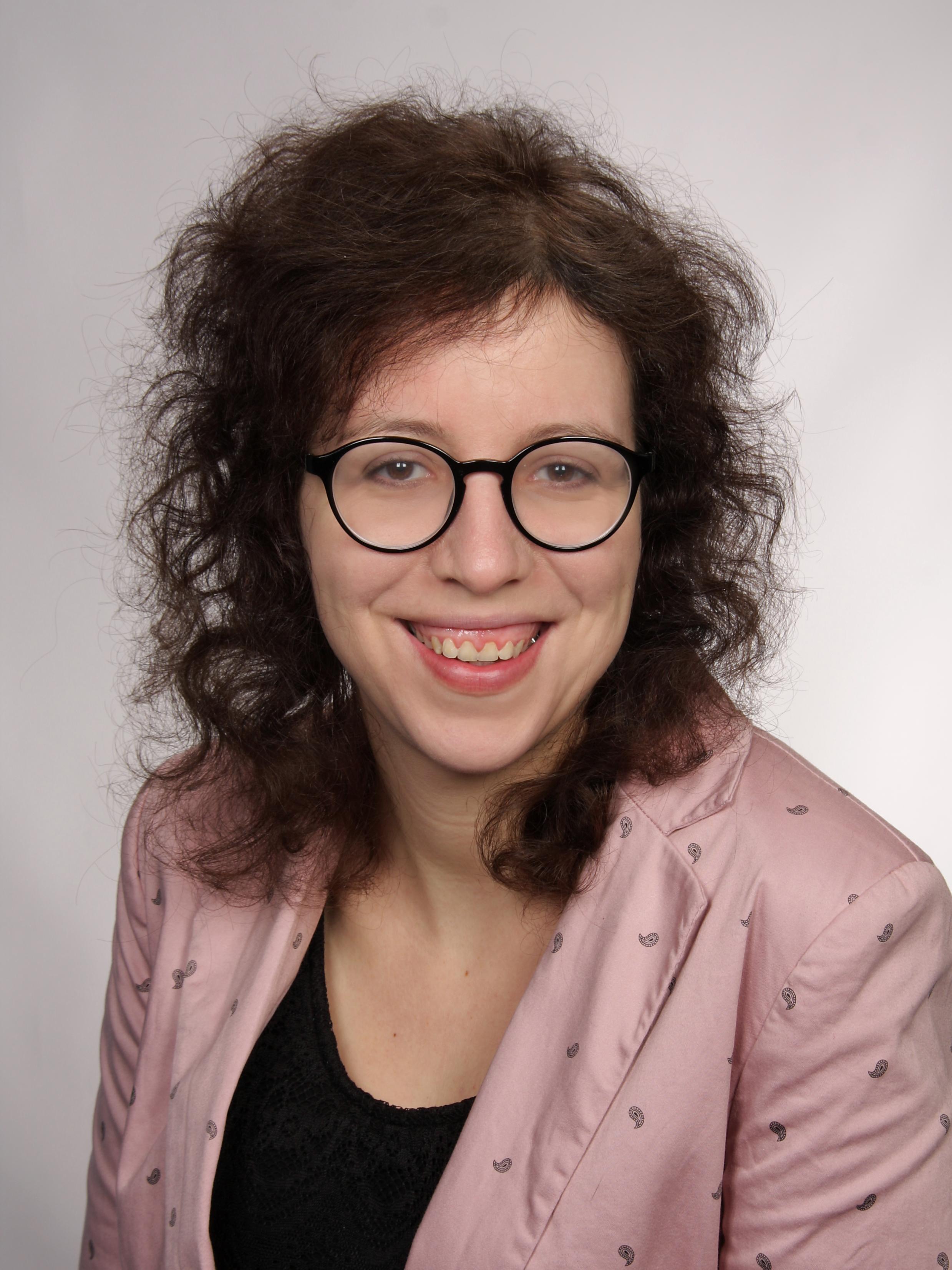 MMag. Sabrina PARIZEK, BA